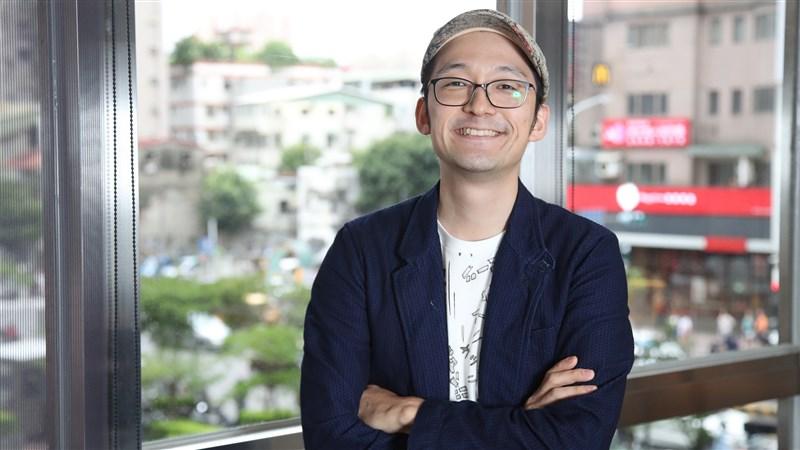 生活是趟不斷思考、奮鬥的旅途,這是Iku老師的真面目,名為佐藤生的東京男子。(中央社記者張新偉攝)