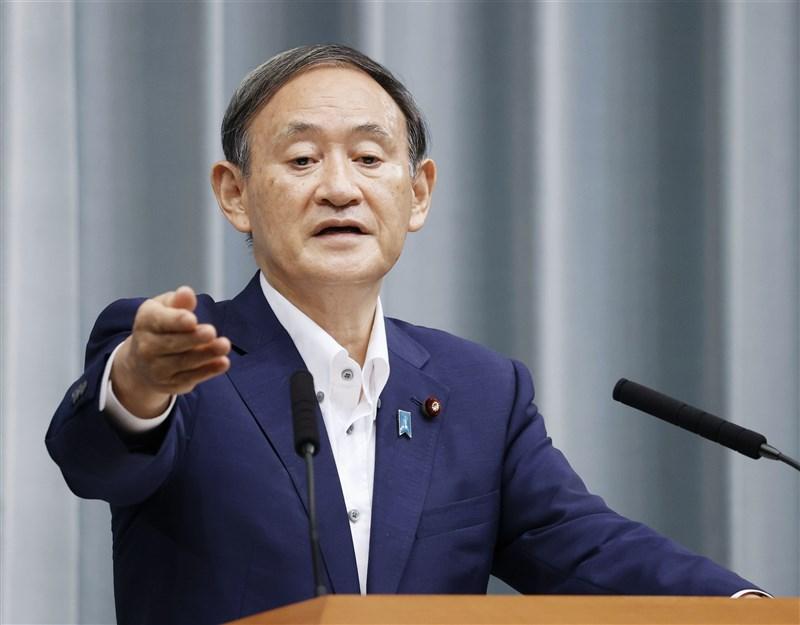 日本自民黨角逐總裁的人選中以內閣官房長官菅義偉呼聲最高,他「無派閥」、「非世襲」出身的背景,若順利當選總裁將創自民黨首例。(共同社)