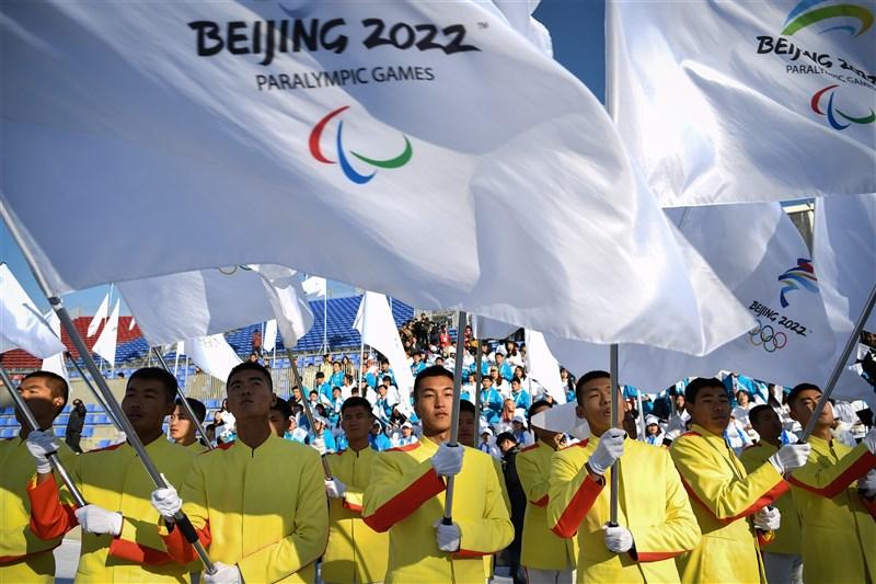 國際抵制北京2022冬奧聲浪劇增,美國眾院外委會25日通過法案,防堵中國靠冬奧進行大外宣洗白形象。圖為2019年12月北京冬奧舉行全球志願者招募活動。(中新社)