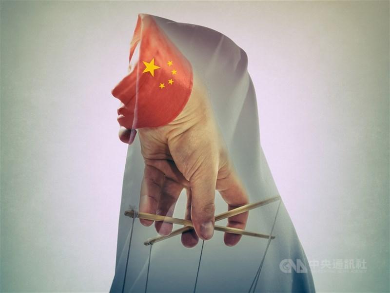 政務委員唐鳳9日說人工智慧技術在中國是監控工具,人民在政府面前變透明。(中央社)