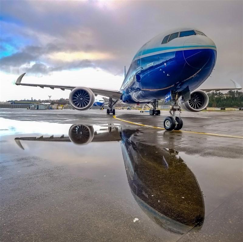 華府和布魯塞爾5日同意,暫停就波音和空中巴士補助爭議而祭出相互報復性關稅手段。圖為波音公司客機。(圖取自facebook.com/Boeing)