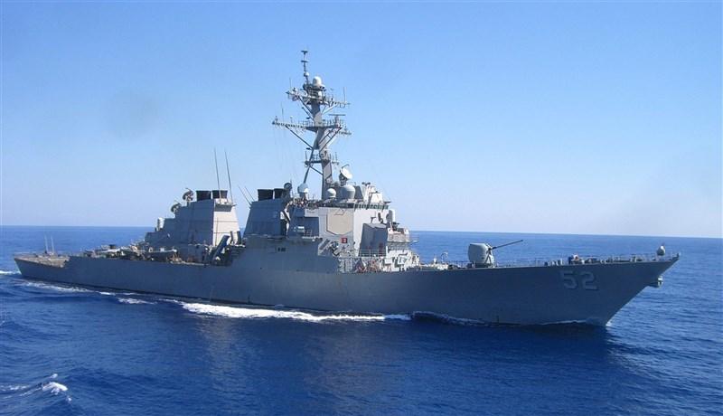 美軍驅逐艦貝瑞號(USS Barry)繼10月14日後,21日再度通過台灣海峽,這也是美艦2020年第11次通過台海。(圖取自facebook.com/DDG52)