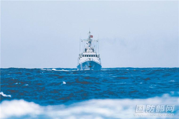 解放軍東部戰區海軍3艘軍艦18日通過台灣東部海域,並在當天晚間脫離中華民國海軍監控。圖為中共解放軍東部戰區艦艇。(圖取自中國國防部網頁mod.gov.cn)