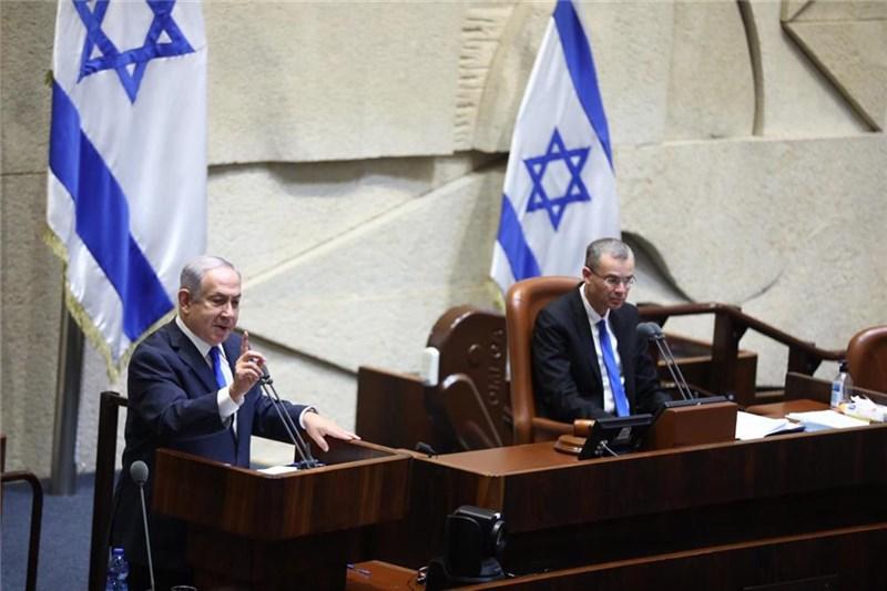 以色列國會15日同意與阿拉伯聯合大公國關係正常化。總理尼坦雅胡(左)表示:「這份歷史性協議…將使我們與區域內其他國家更為接近,讓彼此簽署其他和平協議。」(圖取自以色列國會網頁main.knesset.gov.il)