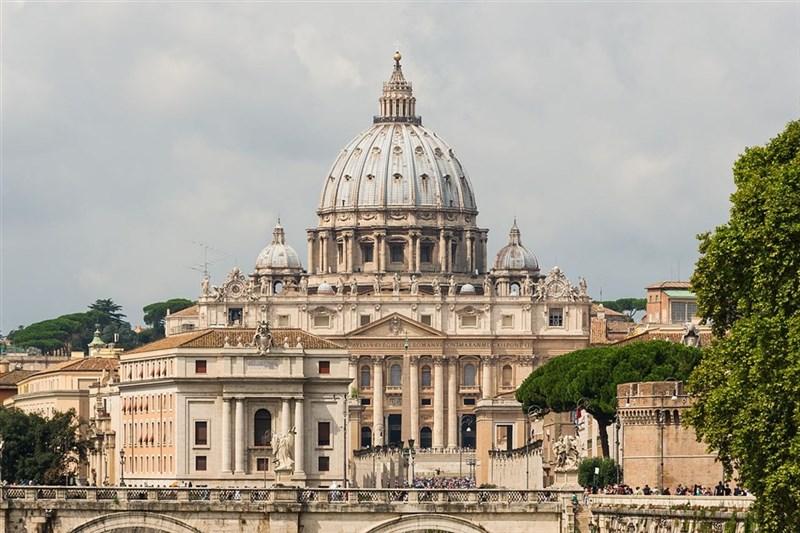 擁有強大權力、負責維護天主教教義完整性的教廷教義部15日表示,同性結合雖有「正面成分」,但天主教會沒有權力祝福這類結合。圖為梵蒂岡聖彼得大教堂。(圖取自維基共享資源,版權屬公有領域)