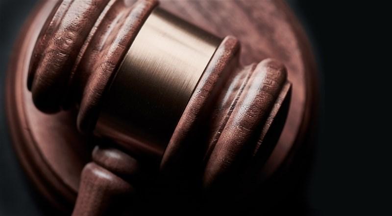 根據司法院送到立法院的落實轉型正義書面報告24日指出,涉動員戡亂體制、戒嚴體制、萬年國會等九號解釋經去個別化後已移轉促轉會。(示意圖/圖取自Unsplash圖庫)