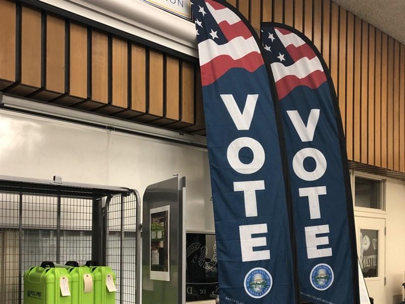 美國大選遇疫情,郵寄投票人數激增,投票日當天勝負分曉的情況恐不復見。選舉日可能因多重因素淪為「選舉週」甚至「選舉月」。圖為加州聖荷西一總統初選投票所。(中央社檔案照片)