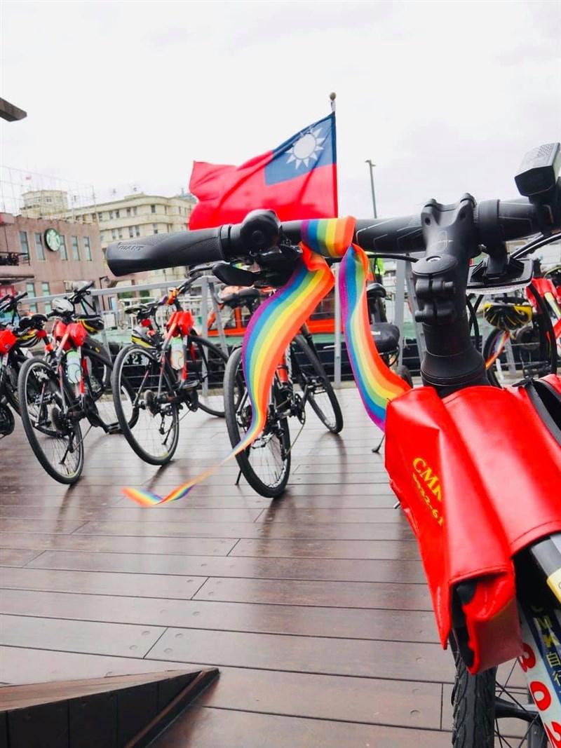 第一屆亞洲彩虹騎行24日從西門紅樓集合前往福隆,25日返回,共騎乘130公里,明年擴大舉辦,2022年將環島,盼亞洲更多國家響應。(圖取自facebook.com/asiarainbowride)