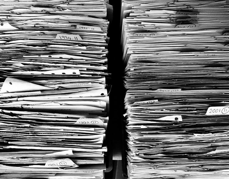 促進轉型正義委員會訂定裁罰基準,促轉條例規定,政黨、附隨組織或黨營機構拒絕將促轉會審定的政治檔案移歸為國家檔案,可處新台幣100萬元以上、500萬元以下罰鍰。(示意圖/圖取自Pixabay圖庫)