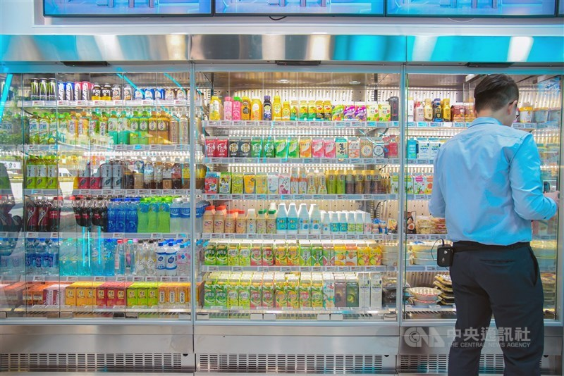 食藥署2020年進行冷凍冷藏調理食品大稽查,揪出12件違規,統一超商、頂好、全聯都在列,以大腸桿菌超標最多。(中央社檔案照片)