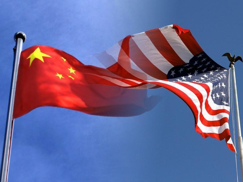 美國總統川普19日簽署「外國公司問責法」被視為劍指中企。中國商務部稍晚聯合公布「外商投資安全審查辦法」,表示將針對涉及國安領域的外商投資案進行審查。(中央社)