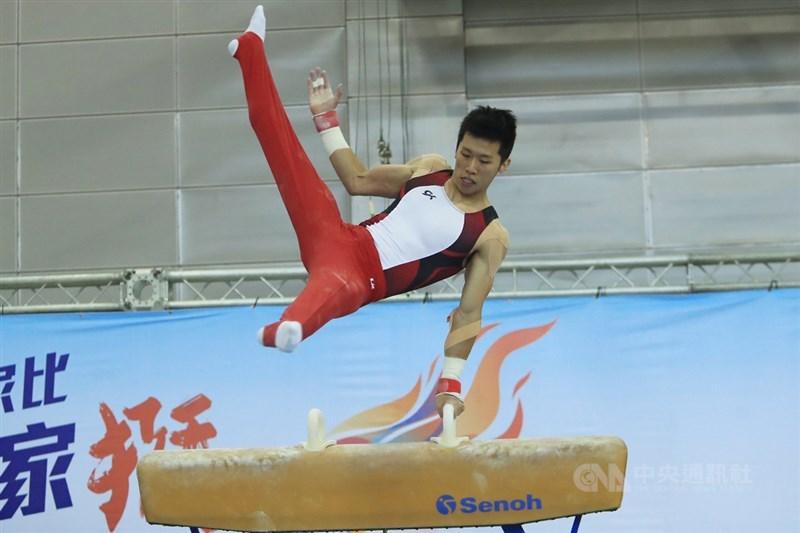 台灣「鞍馬王子」李智凱3日參加在高雄舉行的109年全國大專校院運動會體操男子全能,以總分82.4分完成2連霸。(中央社檔案照片)