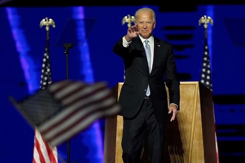 民主黨總統當選人拜登在美國時間7日晚間發表勝選演說,誓言成為全民總統,希望互相競爭的陣營勿以敵人相待,全國團結。(法新社)