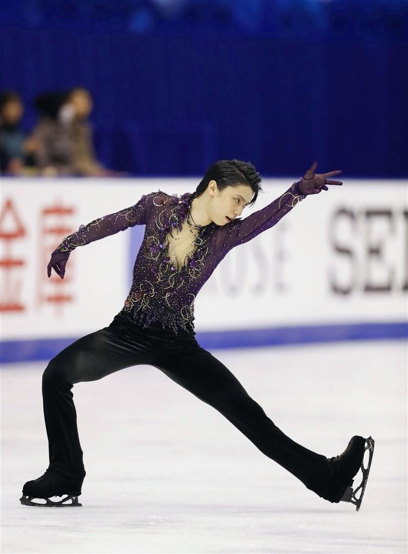 日本男子花式滑冰選手羽生結弦9月從早稻田大學畢業,他的畢業論文使用動態捕捉,研究自己起跳後空中旋轉三周半動作。(共同社)