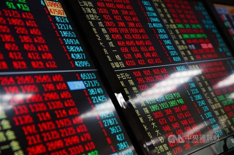 電源管理晶片廠矽力-KY股價持續攀高,一度達新台幣2995元,再創新天價,一度追平大立光,同列台股股王。(中央社檔案照片)