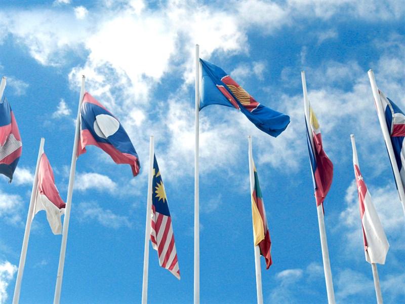 歷經8年磋商,亞太15國15日在東南亞國協峰會簽署「區域全面經濟夥伴關係協定」(RCEP)。(圖取自東協網頁asean.org)
