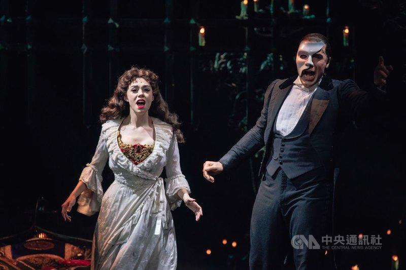 已在全球巡演超過34年音樂劇「歌劇魅影」(The Phantom of the Opera)今年第4度登台,主辦單位特別在台北小巨蛋打造國際級舞台。(寬宏藝術提供)中央社 109年11月21日