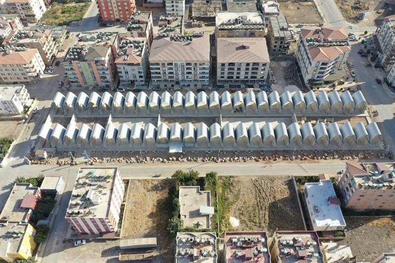 台灣-雷伊漢勒世界公民中心空拍(圖)。此一建築群擁有52個拱形屋頂,以用來隔開土耳其、敘利亞的邊界圍牆分隔出52個空間單元。(裘振宇提供)中央社記者何宏儒安卡拉傳真 109年11月29日