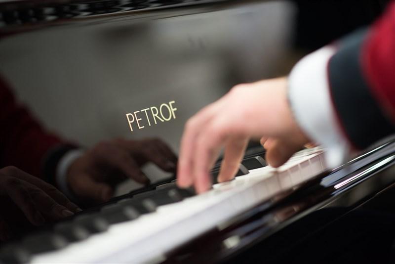 捷克參院議長維特齊訪台引發中國抗議,一家中國進口商隨即取消向捷克佩卓夫公司購買鋼琴的訂單。(圖取自facebook.com/petrofpianos)