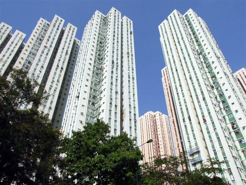 香港九龍麗晶花園住宅區9日累計有7宗確診個案,其中5人居於第6座,另外兩人居於第4和第18座。(圖取自維基共享資源,版權屬公有領域)