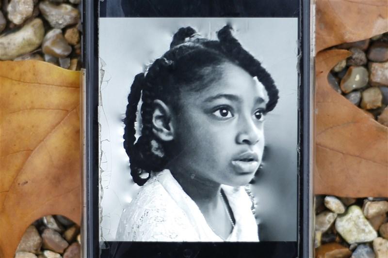 英國9歲女童艾拉(圖)2013年因為嚴重哮喘發作去世,驗屍官在她的死亡證明書記載死因為「空氣汙染」成為全球首例。(法新社)
