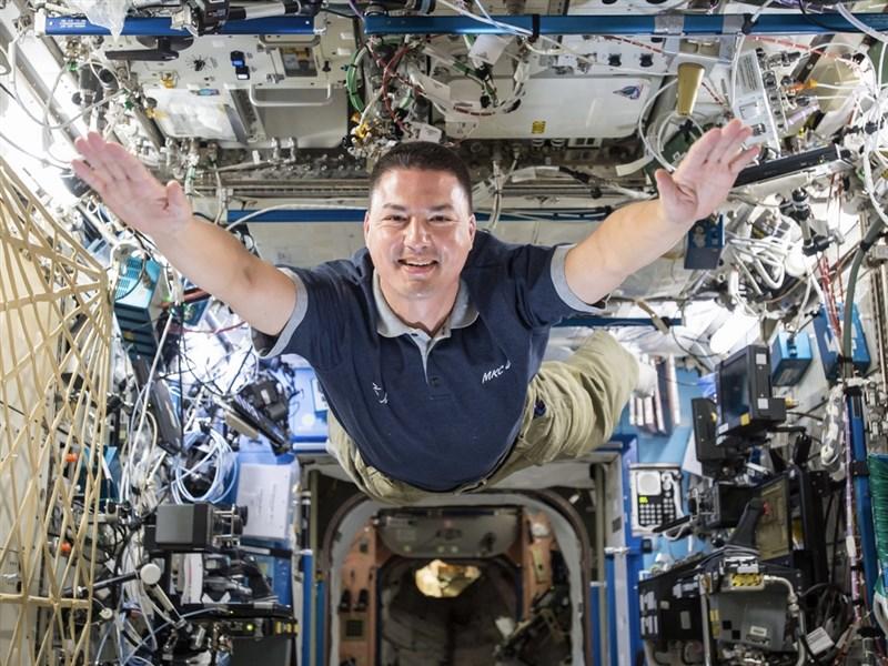 台灣出生的美國太空人林琪兒入選2022年國際太空站任務,將搭乘SpaceX打造的載人太空船二度進駐地球低軌道。(NASA提供)