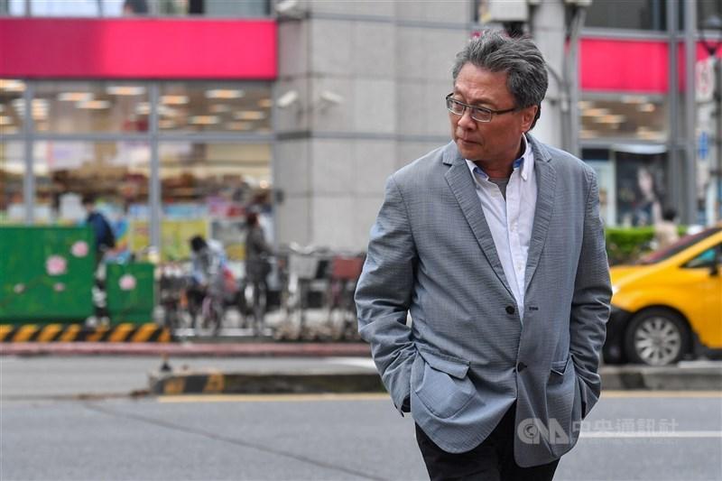 走在台北街頭,太多地點寫著作家張大春的青春回憶。他的個人回憶《我的老台北》映照出城市的變遷,勾起更多人的台北記憶。中央社記者鄭清元攝 110年1月14日