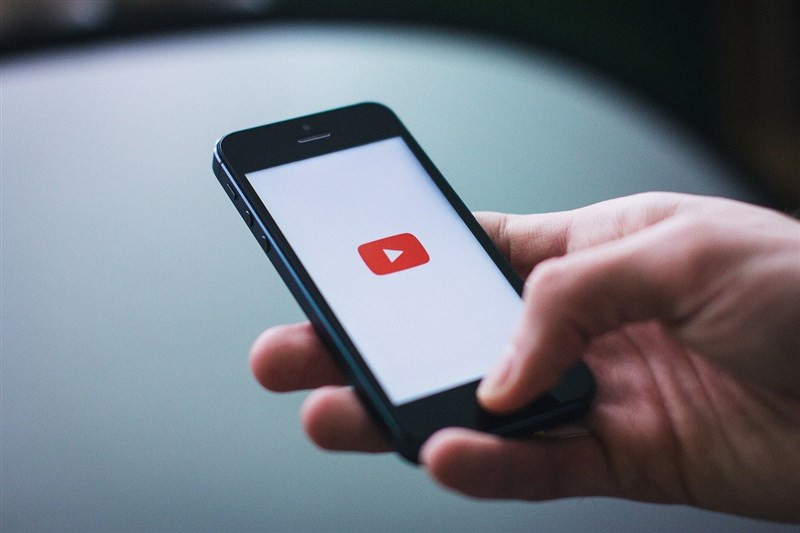 YouTube平台近日端出短影音服務Shorts與TikTok打對台。(圖取自Pixabay圖庫)