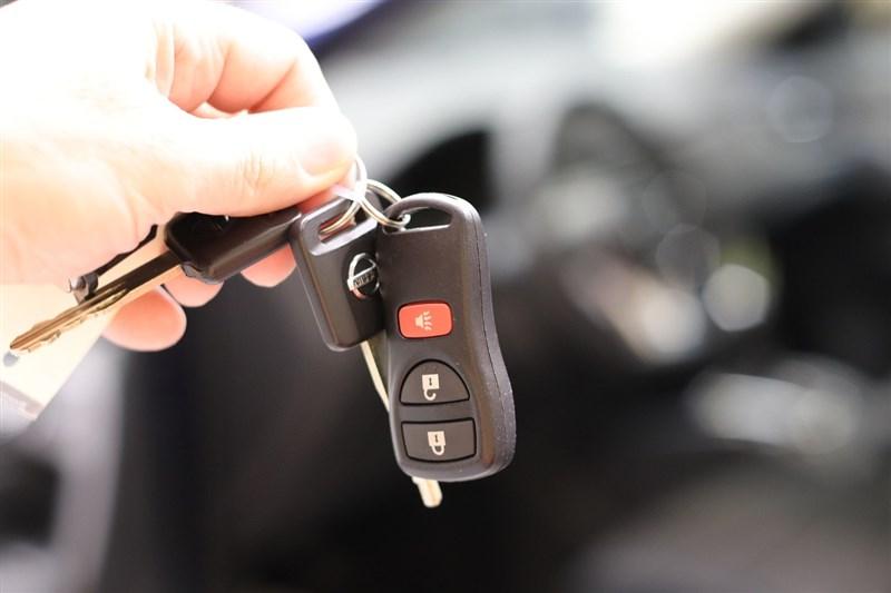 經濟部28日公告「檸檬車條款」,消費者購買新車,在交車後一定期限或一定里程內,經4次送修仍無法回復正常狀態,將可要求更換新車或解約,預計7月1日生效。(圖取自Pixabay圖庫)