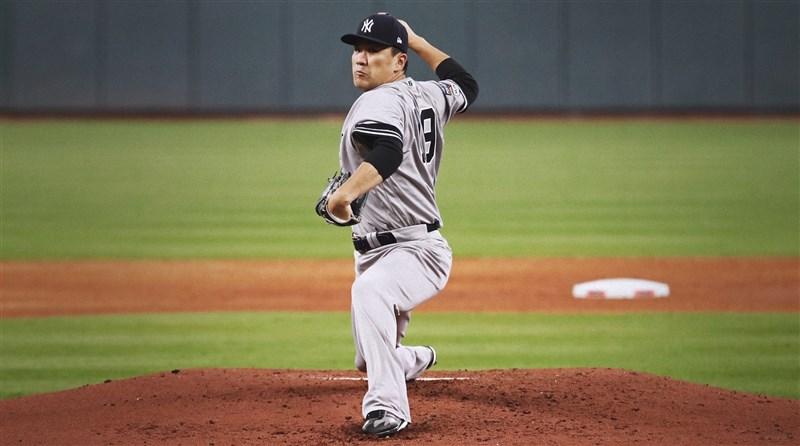 今年32歲的日籍投手「神之子」田中將大,在結束與美國職棒大聯盟洋基隊的7年合約後,確定重披老東家日職東北樂天金鷲隊18號球衣。(圖取自facebook.com/Yankees)