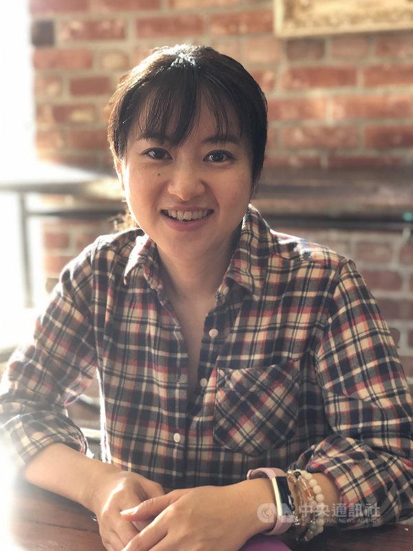 繪本創作者「百香果」推出「台灣早餐地圖」,旅居日本多年的她,為了製作繪本飛回台灣3次,她說,蒐集資料的過程中也讓她再次了解台灣各地美食。(聯經出版提供)中央社 110年1月31日