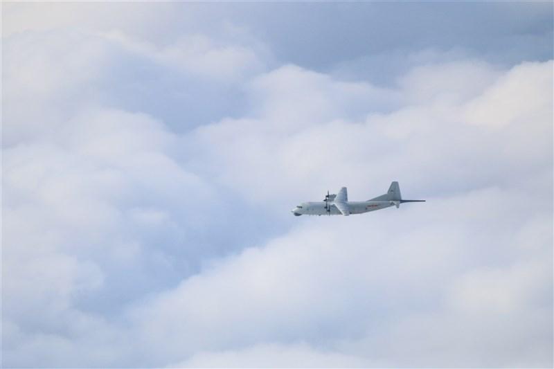 空軍1日發布共機動態,1架運8反潛機侵犯台灣西南防空識別區(ADIZ),空軍派遣空中巡邏兵力應對、廣播驅離、防空飛彈追蹤監控。圖為運8反潛機同型機。(圖取自國防部網頁mnd.gov.tw)