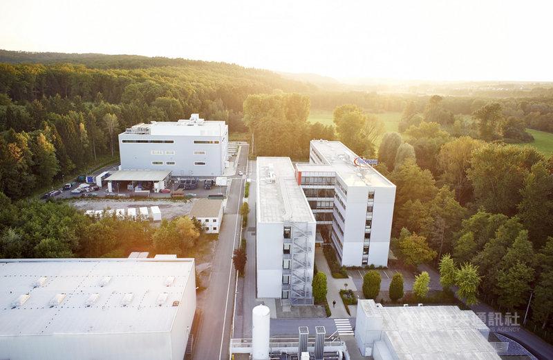 歐盟各國對半導體業落後美國和亞洲早有危機感,並規劃打造完整的半導體生態系。圖為德國半導體大廠英飛凌位於瓦爾斯坦(Warstein)的廠房。(英飛凌提供)中央社記者林育立柏林傳真 110年2月6日