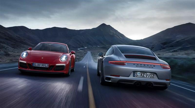 德國跑車代表性品牌保時捷佈局電動車,未來10年將全面走向電動化,僅剩911跑車堅守燃油引擎。(圖取自保時捷官網porsche.com)