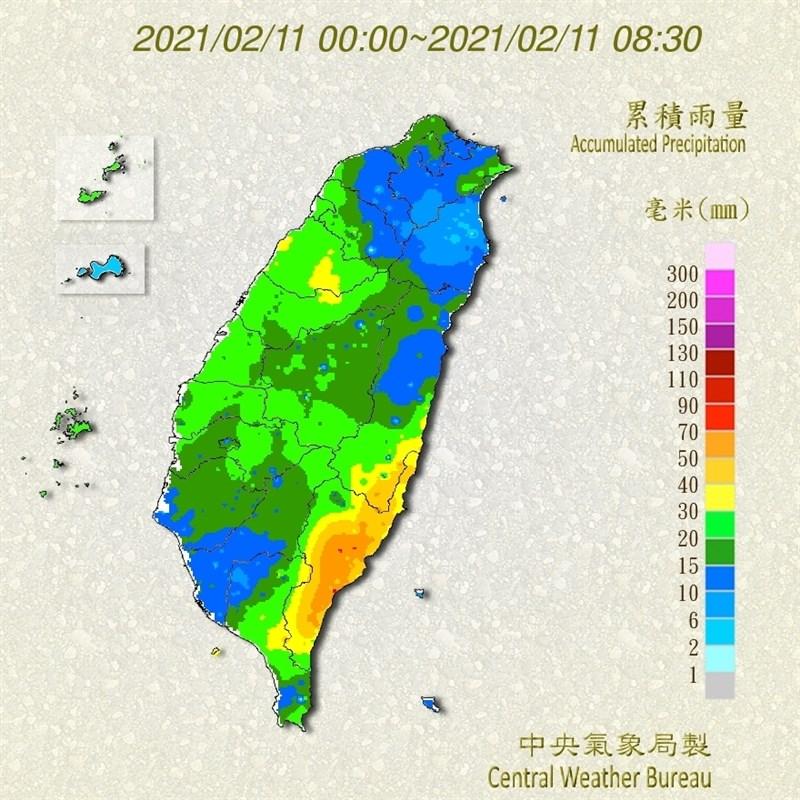 中央氣象局表示,10日下午起到11日上午因鋒面接近,天氣不穩定,西半部水氣增多。圖為11日上午累積雨量圖。(圖取自氣象局網頁www.cwb.gov.tw)