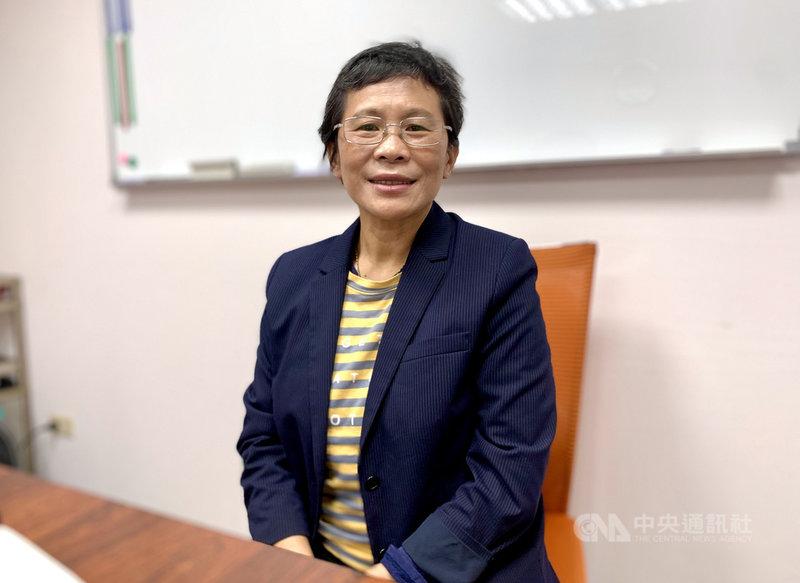 時代力量黨主席陳椒華說,時力的目標是在有黨部的縣市議會取得3席以上的名額,初步估計推出40名候選人,也不排除在台北、新竹等中間勢力支持度高的地方提名縣市長候選人。ㄦ中央社記者林育瑄攝  110年2月16日