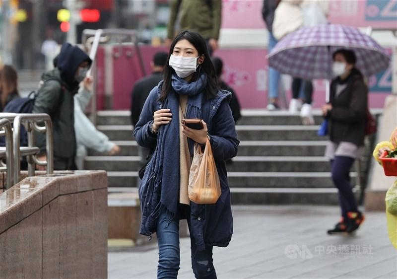 中央氣象局表示,17日(開工日)大陸冷氣團南下,北台灣天氣轉冷,其他地區早晚有涼意。(中央社檔案照片)