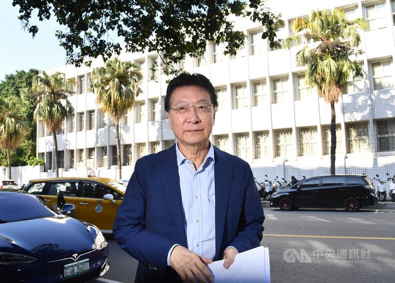 台北地方法院開庭審理三中案,22日以證人身分傳喚中廣董事長趙少康說明。中央社記者王飛華攝 110年2月22日