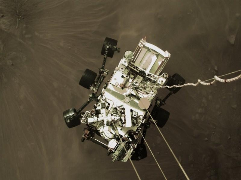 NASA 22日公布火星探測車「毅力號」在火星錄下的錄音。(圖取自twitter.com/NASA)