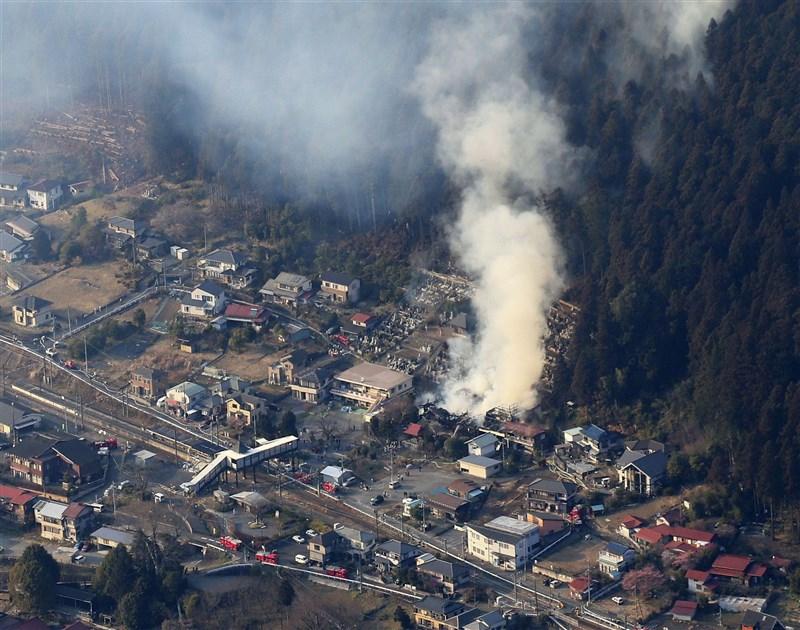 青梅 市 火災 東京 青梅 住宅など約10か所で火災 強風にあおられ広がったか