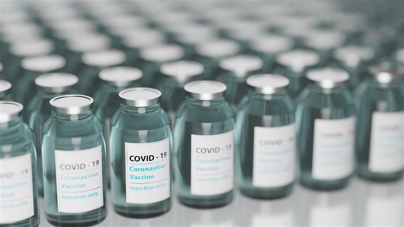 疾管署網站嚴重特殊傳染性肺炎疫苗專區26日上線,新版疫苗接種順位出爐。(示意圖/圖取自Pixabay圖庫)