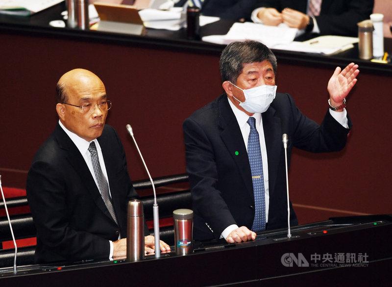 台灣將取得COVID-19疫苗,行政院長蘇貞昌(左)26日在立法院表示,醫護為施打疫苗的第一順位,但會尊重意願;衛福部長陳時中(右)指出,將製作疫苗地圖,供民眾了解區域疫苗的資訊。中央社記者施宗暉攝 110年2月26日