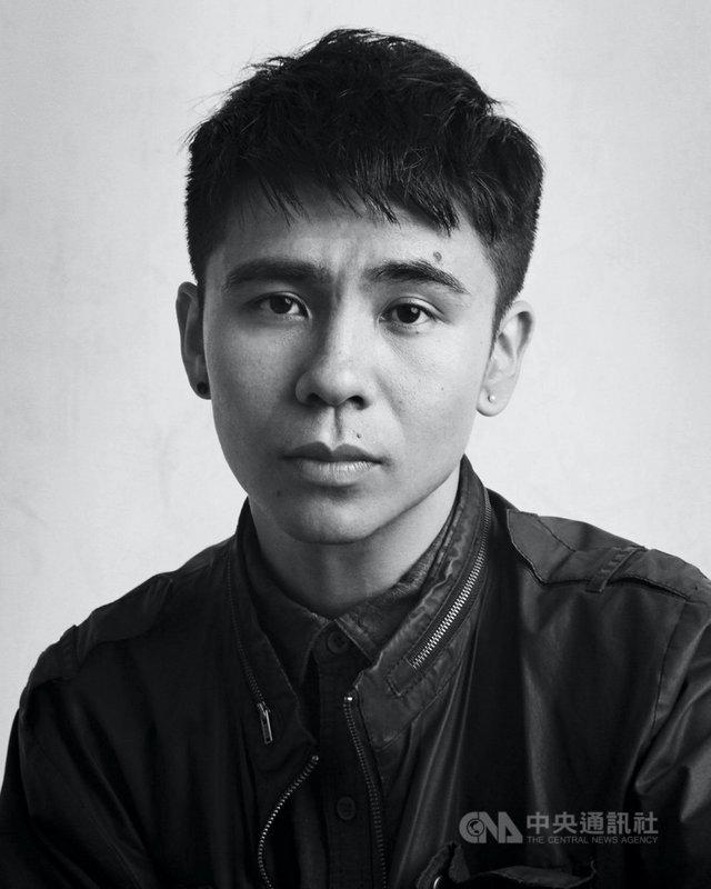 美籍越南裔作家王鷗行首本小說「此生,你我皆短暫燦爛」中譯版將在台出版,書中以他親身經歷,寫下在美國社會中的移民生活。(時報出版提供)中央社 110年2月28日