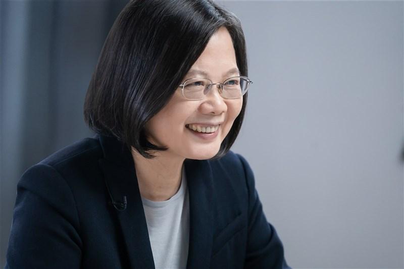 泰國英文媒體曼谷郵報評選出全球24位傑出女性,將總統蔡英文(圖)登上頭版,並稱讚她的領導在台灣名留青史。(總統府提供)