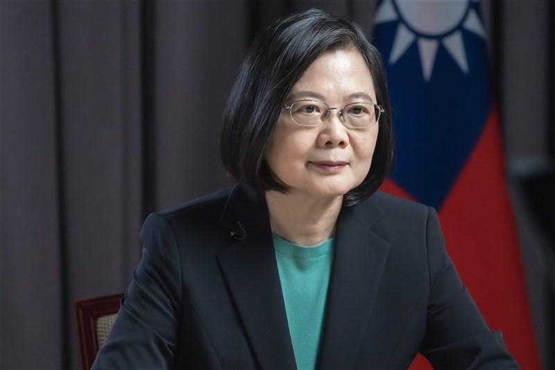 總統蔡英文(圖)獲選泰國「曼谷郵報」年度傑出女性,總統府表示,總統獲選代表台灣人民團結防疫的成績再一次獲得世界肯定。(總統府提供)