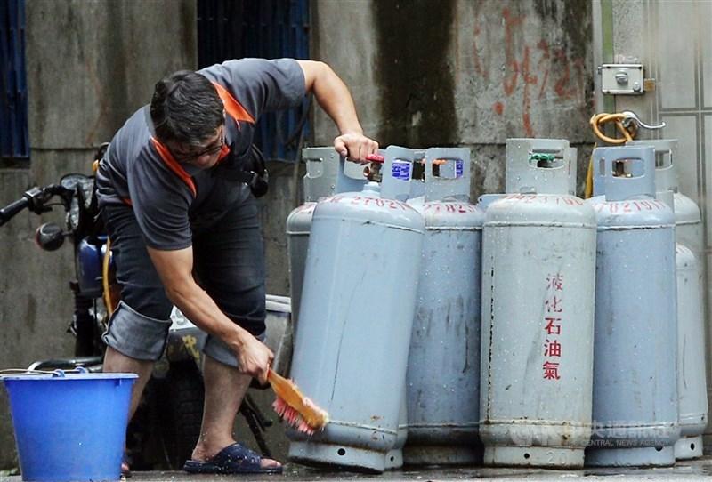 中油宣布,自2日凌晨零時起,3月份桶裝瓦斯價格不調整。(中央社檔案照片)