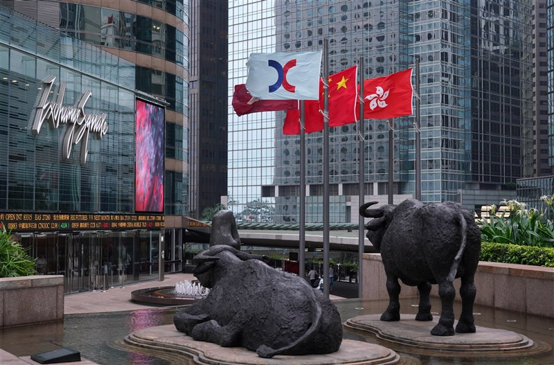 香港恒生指數較大規模改革,藍籌股數量計畫增加到100支,預料中資股占比將更重。(中新社)