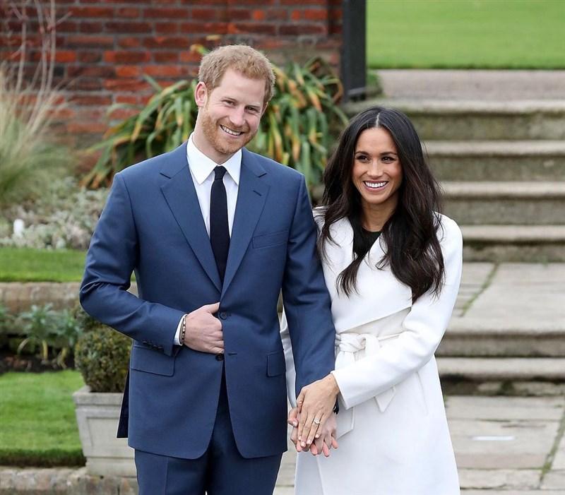 英國哈利王子(左)8日在專訪中表示,若不是因為梅根(右),他做不到離開王室,因為他「被困在體制裡」。(圖取自instagram.com/meghanmarkle_official)