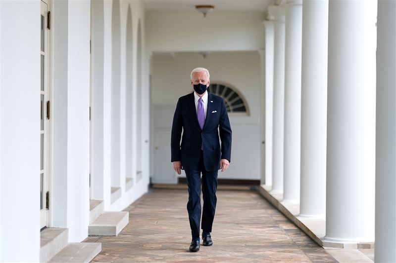 美國總統拜登3日發布任內第一份國家安全戰略指南,指南明確指出,美方將支持台灣這個主要的民主政體、關鍵的經濟與安全夥伴。(圖取自facebook.com/POTUS)