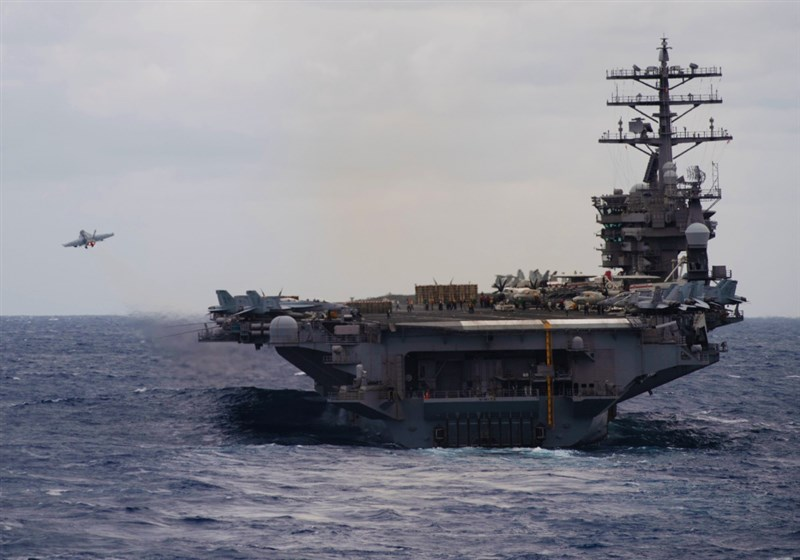 美軍印太司令部司令戴維森4日表示,中國增加在台灣與周遭軍事領域的空中行動,甚至侵入台灣防空識別區,美方協助提供台灣不對稱戰力至關重要。圖為美軍尼米茲號航空母艦。(圖取自facebook.com/indopacom)